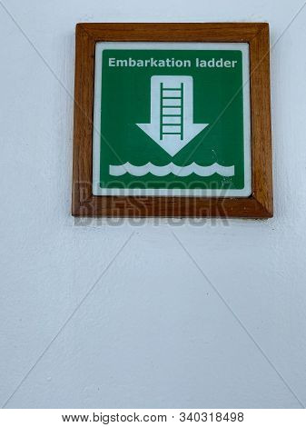 Ft. Lauderdale,fl/usa-11/1/19: A  Green And White Sign The Tells Cruise Ship Passengers Where The Em