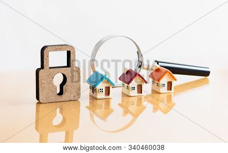 House And Magnifying Glass For Search And Explore Real Estate, Houses, Apartments For Investment. Ri