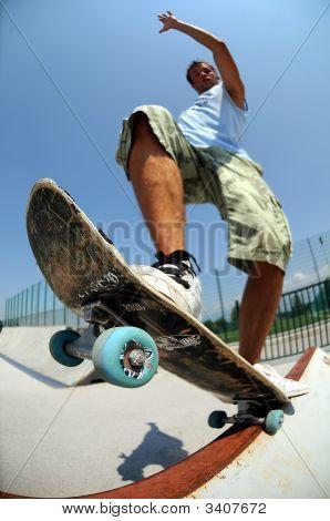 Skateboard Grinding