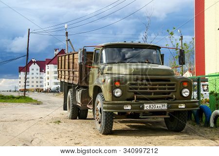 Novyy Urengoy, Russia - June 11, 2016: Soviet Flatbed Truck Zil 130 In The City Street.