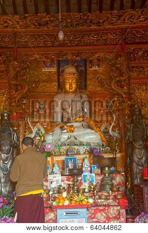 Myanma Buddha Style In Chinese Temple ,lijiang Dayan Old Town .