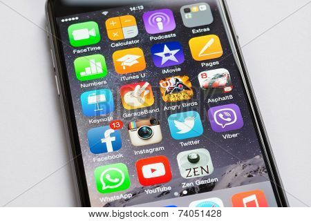 Closeup Of Apple Iphone6 With Various Apps On Screen