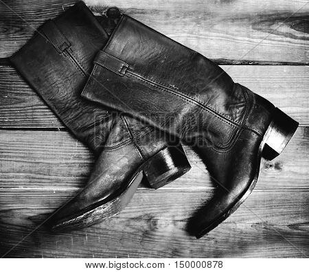old style boots in blackly white color