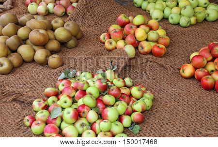 Many Apples For Sale In The Grocery