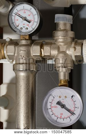 two pressure gauges to indicate pressure polypropylene tubes