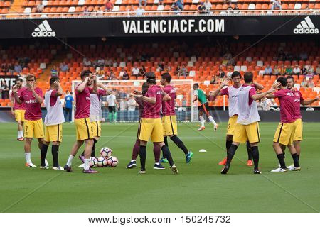 VALENCIA, SPAIN - OCTUBER 2nd: Atletico de Madrid players during Spanish soccer league match between Valencia CF and Atletico de Madrid at Mestalla Stadium on Octuber 2, 2016 in Valencia, Spain
