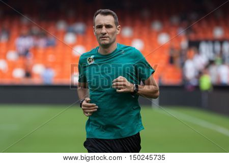 VALENCIA, SPAIN - OCTUBER 2nd: Referee Clos Gomez during Spanish soccer league match between Valencia CF and Atletico de Madrid at Mestalla Stadium on Octuber 2, 2016 in Valencia, Spain