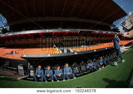 VALENCIA, SPAIN - OCTUBER 2nd: Atletico Madrid players during Spanish soccer league match between Valencia CF and Atletico de Madrid at Mestalla Stadium on Octuber 2, 2016 in Valencia, Spain
