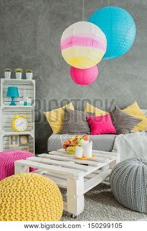 Modern Style Living Room Idea