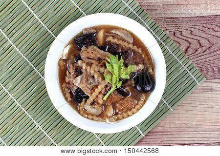 Mixed vegetable and tofu sheet (mushroom ,fermented flour,bamboo shoot,tapioca flour,celery in brown soup call