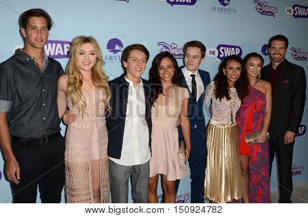 LOS ANGELES - OCT 5:  The Swap Cast at the Metropolitan Fashion Week Closing Gala and Awards Show at the ArcLight Hollywood Theater on October 5, 2016 in Los Angeles, CA