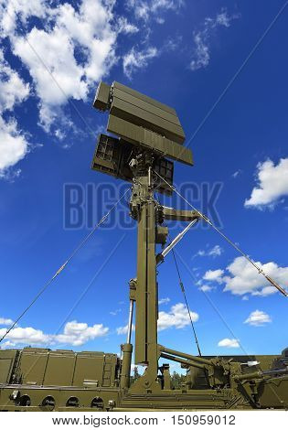 All-around antenna for air defense complex on a mobile platform