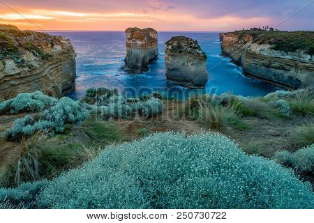 Island Archway Lookout At Sunset In Twelve Apostles On The Great Ocean Road