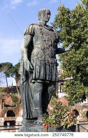 Statue Of The Roman Emperor Gaius Iulius Caesar, Rome, Italy, Europe
