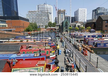 Birmingham, Uk: June 29, 2018: Regency Wharf At Gas Street Basin. The Restored Canal System In Birmi