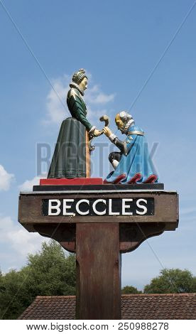 Beccles, Suffolk, Uk, July 2018 - Beccles Town Sign Showing Queen Elizabeth 1st Handing The Charter