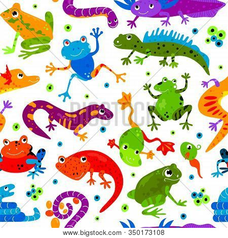 Seamless Pattern Wild Cute Cartoon Animal Flat Isolated Vector Illustration. Amphibians Reptiles Liz
