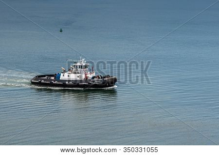 Hilo, Hawaii, Usa. - January 9, 2012: Closeup Of Black And White Tiger 6 Tugboat In Harbor, Surround