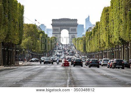 The Champs-elysées Is The Main Avenue Of Paris. It Is 1,910 Metres Long, And Runs From The Arc De Tr
