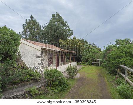 Water Duct Levada Maintenance House Casa Del Monte At Mysterious Laurel Forest Laurisilva, Lush Subt
