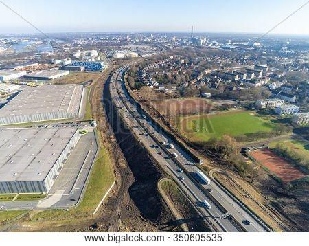 Autobahn A40 Auf Der Hoehe Duisburg Neuenkamp