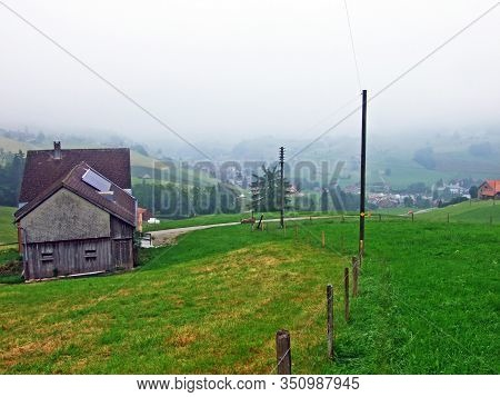 Cattle Farms And Rural Architecture In The Urnäsch (urnaesch Or Urnasch) Settlement - Canton Of Appe