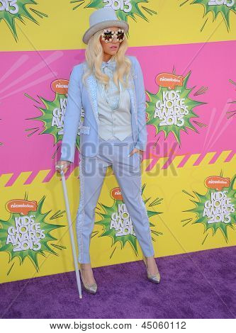 LOS ANGELES - MARCH 23:  Ke$ha arrives to the Kid's Choice Awards 2013  on March 23, 2013 in Los Angeles, CA.