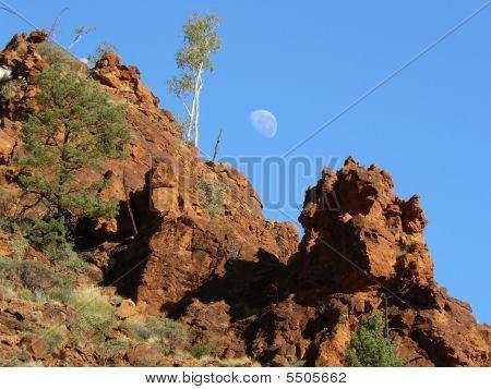 Moon Over Nhdala Gorge