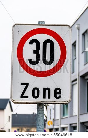traffic calming a geschwindikeitsbegrenzung was introduced. 30 kph zone in city traffic