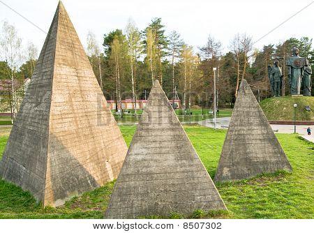 Russian Pyramid
