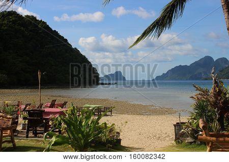 beautiful tropical beach - El Nido, Palawan, Philippines