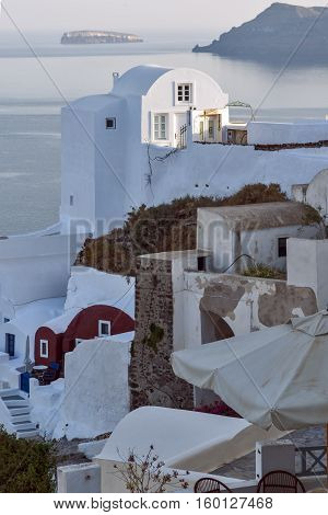 White houses in town of Oia, Santorini island, Thira, Cyclades, Greece