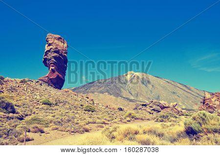 Roques De Garcia And Pico Del Teide Mountain Volcano In The Background. Roque Cinchado In El Teide N