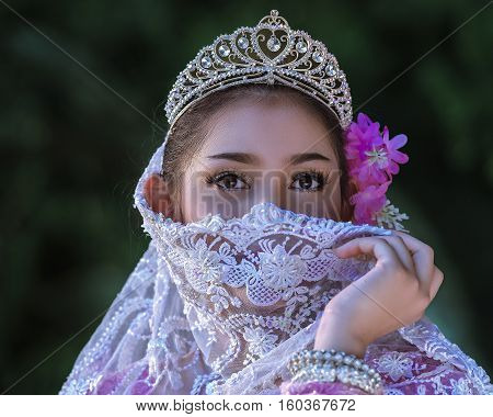 The dress of Muslim Women in Thailand.
