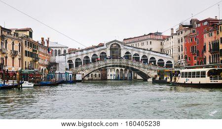 The Rialto Bridge (ponte Di Rialto) Venice In Rain