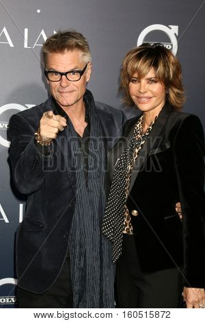 LOS ANGELES - DEC 6:  Harry Hamlin, Lisa Rinna at the