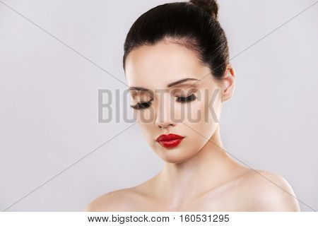 Fashion Woman With Perfect Skin Wearing Dramatic Makeup