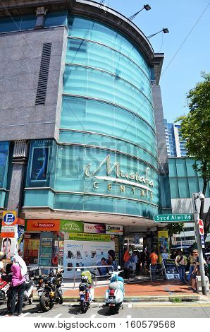 Mustafa Centre At Little India In Singapore