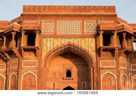 Silhouette Of The Walls Famous Red Fort Tower Dome Agra Fort In Uttar Predesh, India