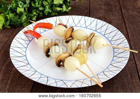 Marinated small onion