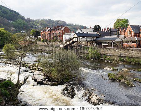 The Llangollen Railway (Welsh: Rheilffordd Llangollen) is a volunteer-run heritage railway in Denbighshire Wales which operates between Llangollen and Corwen. The riverf Dee runs through the town.