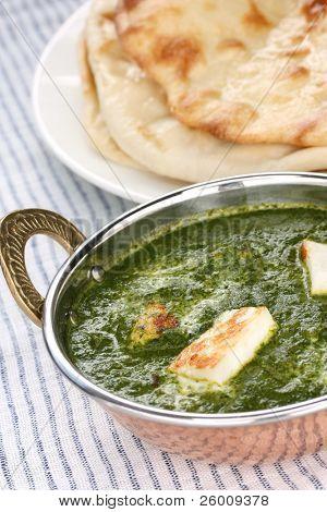 Палак панир, шпинатом и сыром карри, Индийская еда