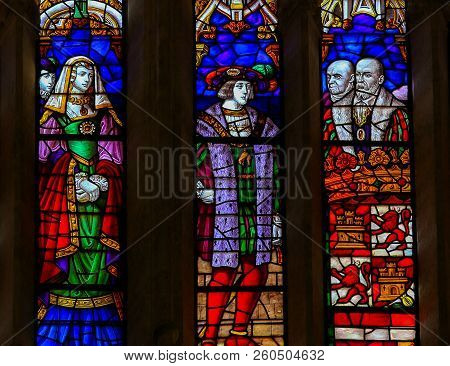 Charles V And Eleonor - Stained Glass In Oviedo