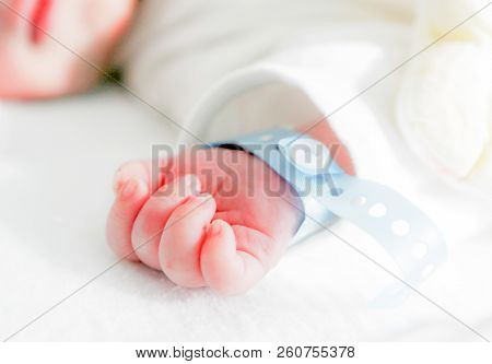Newborn Baby In Hospital  Color Image Stock Photos