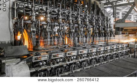 The Production Of Glass Bottles Factory
