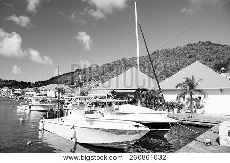 Gustavia, St.barts - January 25, 2016: Sailboats And Yachts Anchored At Sea Pier On Tropical Beach.
