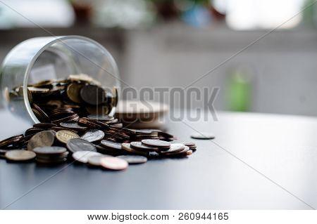 Money Saving Money Saving Ideas Save Money, Preset Ideas By Hand, Put Money In The Money Stack Busin