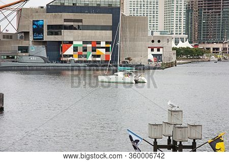 Baltimore, Md Usa September 9, 2008:  The Inner Harbor Is The Location For The Baltimore Aquarium Wi