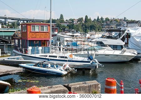 Seattle, Wa Usa August 23, 2014:  Marina In Seattle Is Home Of Many Local Houseboats As Alternative