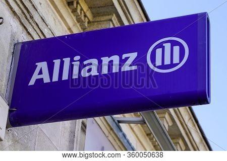 Bordeaux , Aquitaine / France - 11 13 2019 : Allianz Insurance Logo Sign Store Office Brand Financia